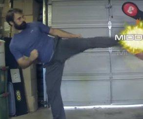 Каскадер воспроизвел все удары Хвоаранга из Tekken