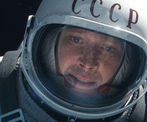 Из-за пустых залов отменяют сеансы российского фильма «Время первых»