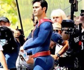 Тайлер Хэклин в роли Супермена порадовал фанатов своим задом