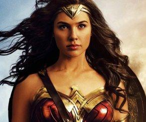 «Чудо-женщина» получила первую кинопремию! (пока за трейлер)