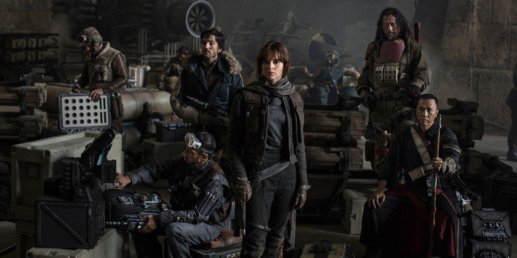 Костюмы героев фильма «Звездные войны: Изгой» на выставке игрушек - Изображение 1