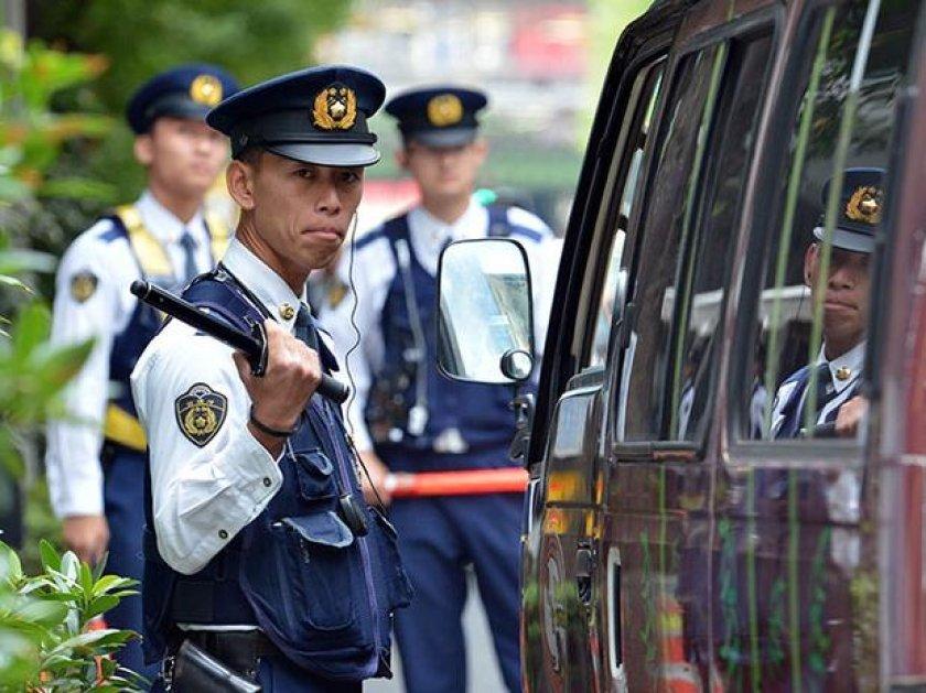 Полицейский из Японии украл у коллеги портативную консоль  - Изображение 1