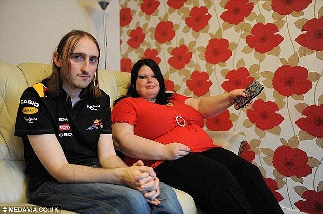Чтобы удержать мужа, британка купила три консоли Xbox - Изображение 1