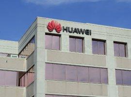 Волна отказов нарастает: работать сHuawei отказалась Panasonic, аToshiba приостановила поставки