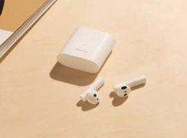 Дешевая копия AirPods, портативная батарея изарядка: что еще представила Xiaomi