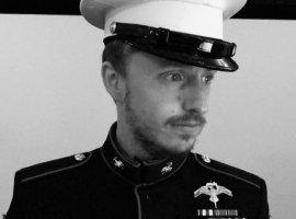 Легендарного про-игрока в CS:GO раскритиковали за фотографию в военной форме