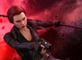 Hot Toys представила реалистичные фигурки Капитана Америка иЧерной вдовы из«Мстителей: Финал»