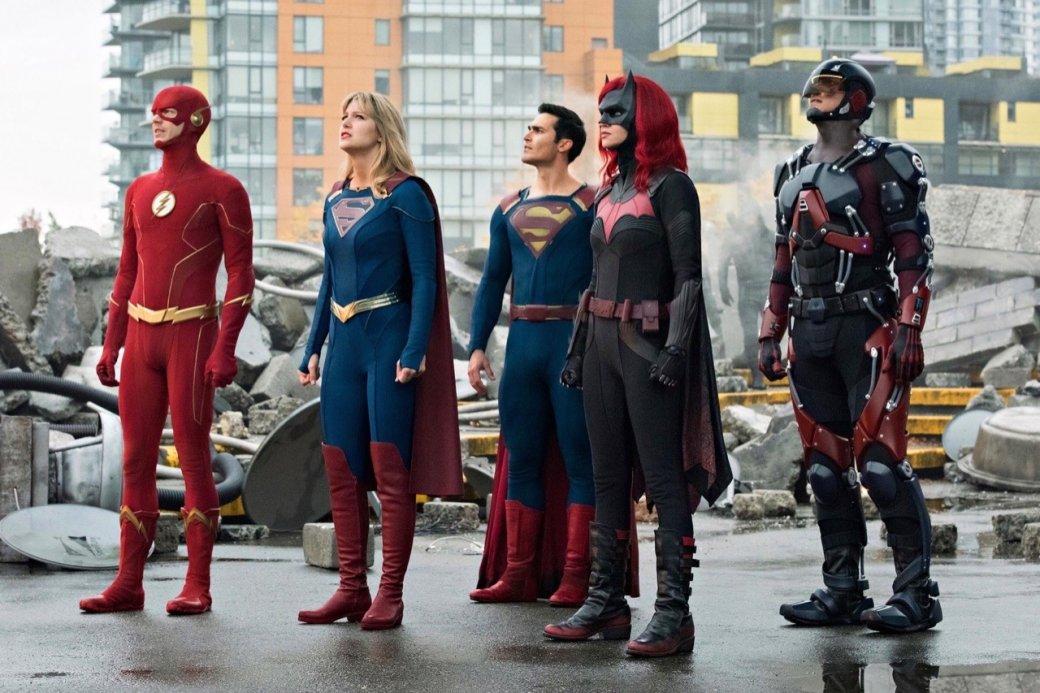 Супергерои собрались вместе на новых кадрах из «Кризиса на Бесконечных Землях»   Канобу - Изображение 4167