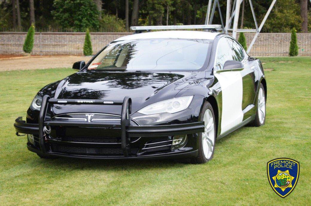 Разряженная Tesla помешала полицейским догнать преступника
