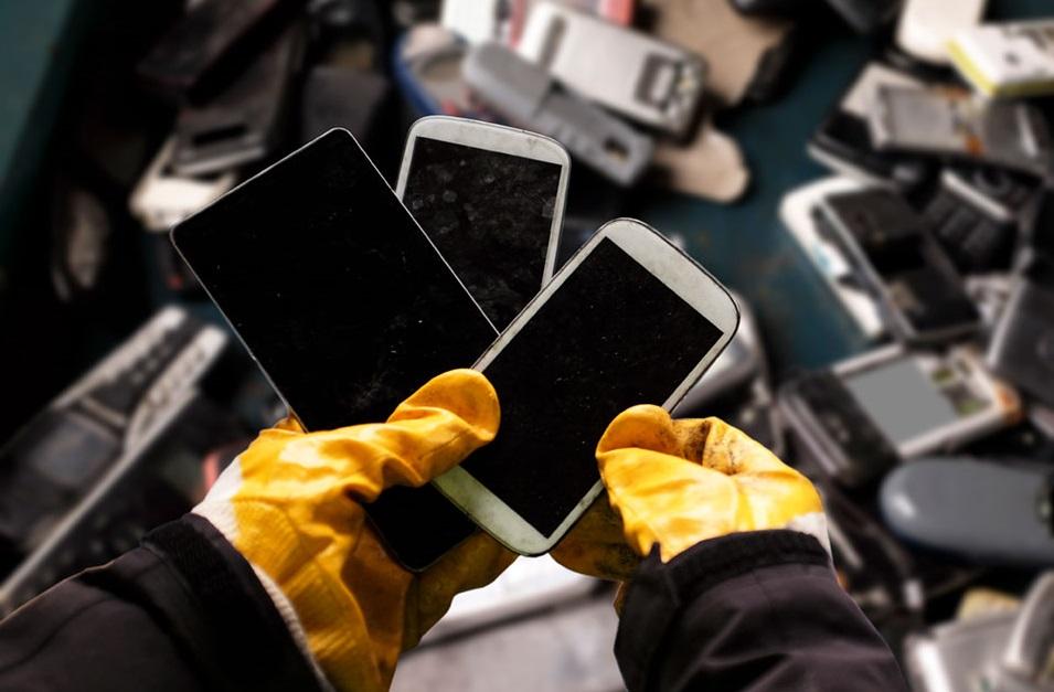 Китайцы начнут добывать золото из смартфонов: 270 граммов с каждой переработанной тонны гаджетов  | Канобу - Изображение 5179