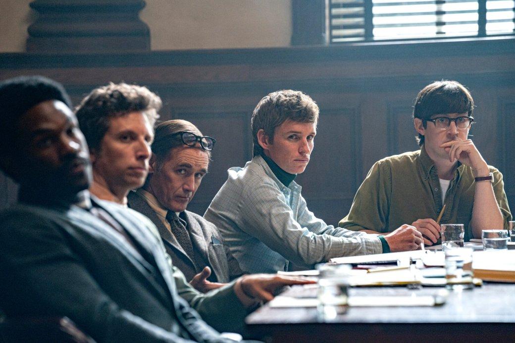 Рецензия на фильм «Суд над Чикагской семеркой»   Канобу
