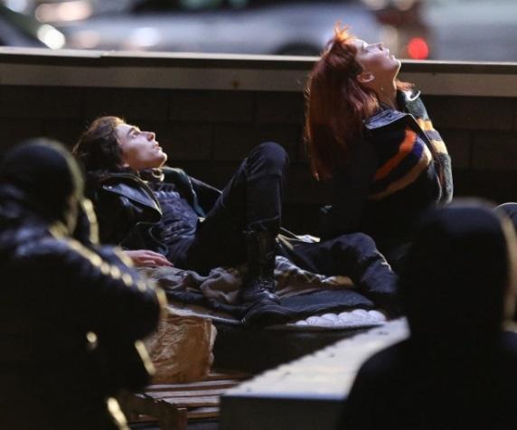 Дженнифер Лоуренс получила травму вовремя взрыва насъемках фильма Netflix сТимоти Шаламе | Канобу - Изображение 11795
